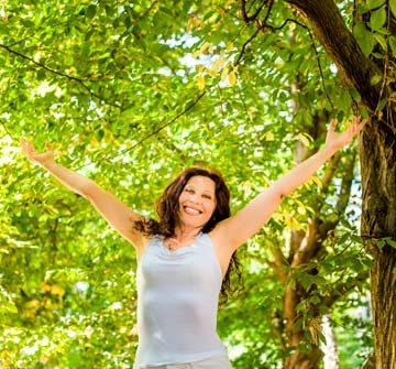 Lykkelig kvinne fri for tannlegeskrekk | Kolbotn Tannklinikk